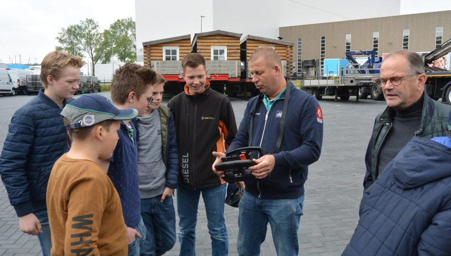 Bedrijfsbezoek Volvo en TSV met klas 2BB en 2KB